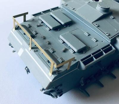E35082 Wooden box for Stug.III F from LSSAH, with wood texture and PE bracket - 2
